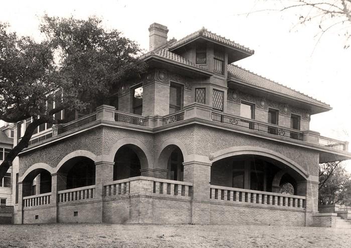<em>Photograph of the Byrne-Reed House shortly after its construction. Courtesy of Tom Reynolds.</em>