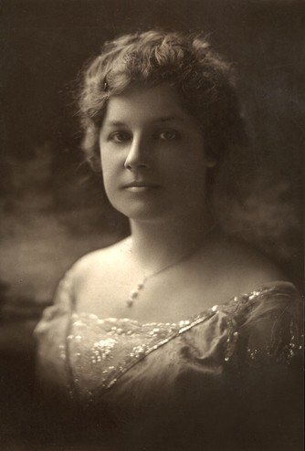 <em>Portrait of Laura Moses Reed. Courtesy of the Reed family.</em>